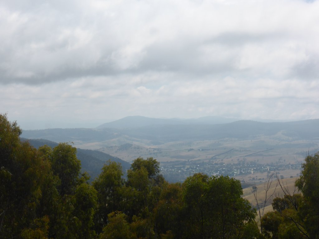 views right into the NSW alps