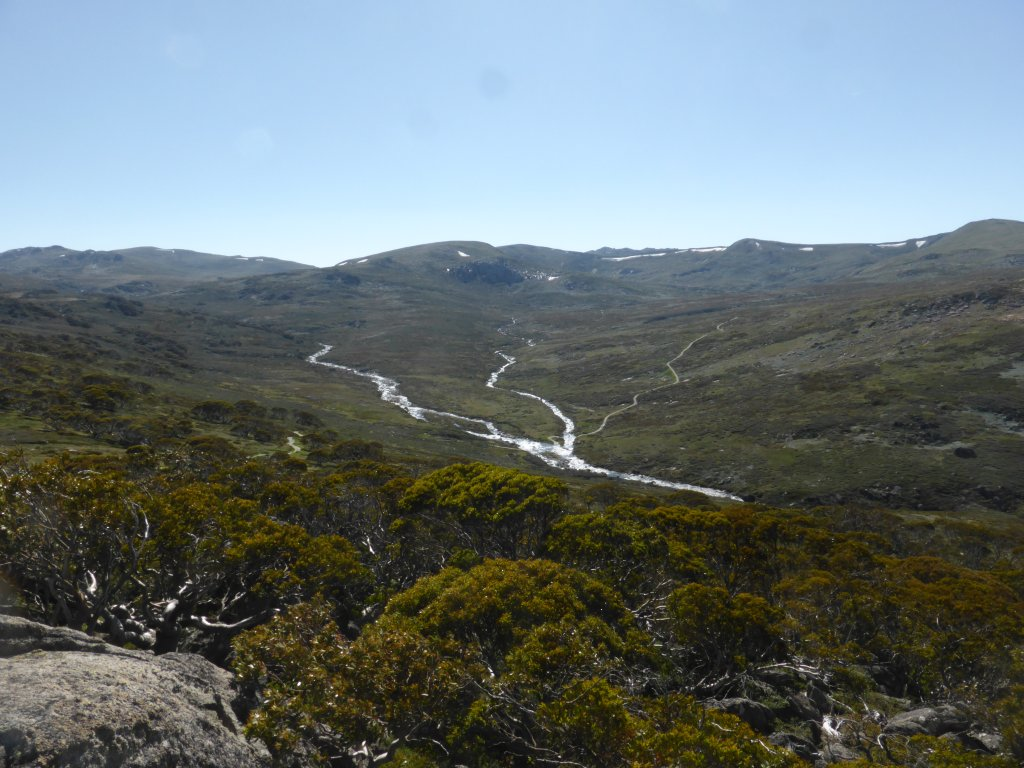 looking south west out over the peaks (including Mt Kosciuszko) along the Main Ridge