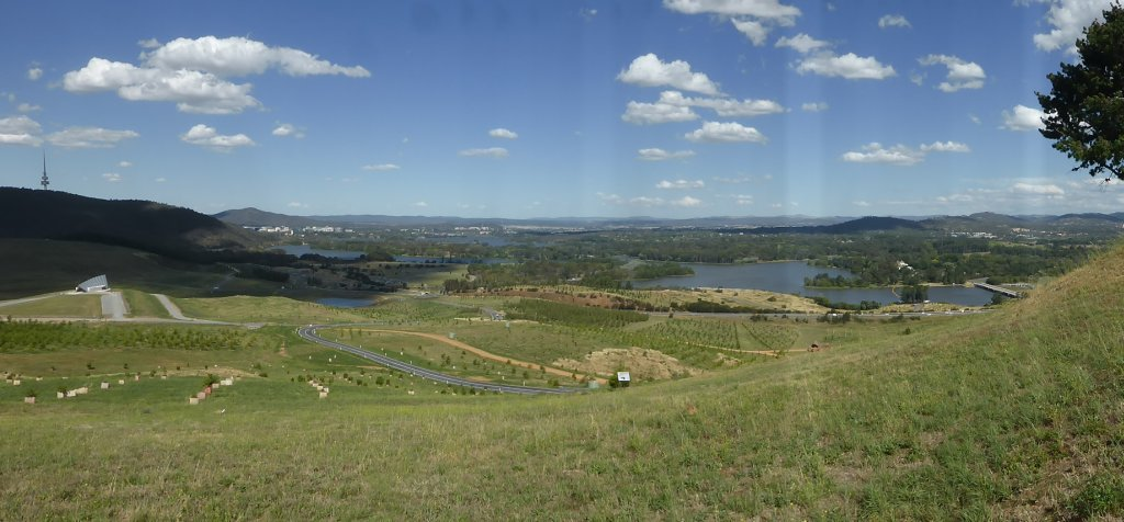 view out over Canberra from Dairy Farmers Hill